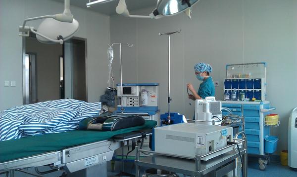 手术室功能需要及无菌要求,更好地满足患者治疗需要.手术室高清图片